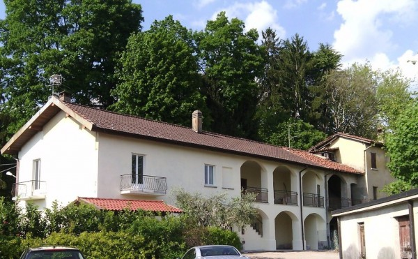 Appartamento in affitto a Casciago, 2 locali, prezzo € 700 | Cambio Casa.it