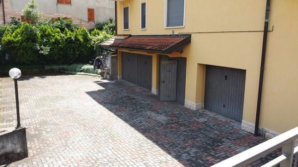 Bilocale Carnate Via Lorenzo Perosi 4