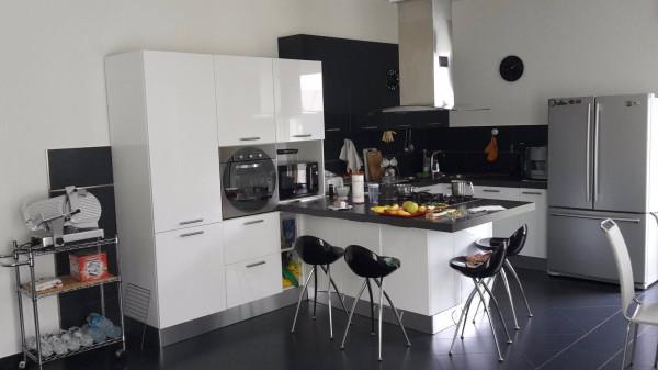 Villa in vendita a Vedano Olona, 6 locali, prezzo € 318.000 | Cambio Casa.it