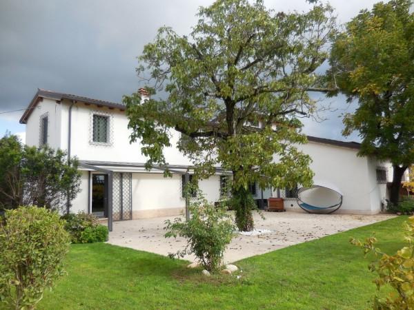 Rustico / Casale in vendita a Verona, 6 locali, zona Zona: 4 . Saval - Borgo Milano - Chievo, prezzo € 850.000 | Cambio Casa.it