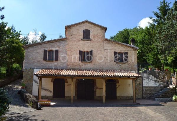 Rustico / Casale in vendita a Pergola, 6 locali, prezzo € 325.000 | Cambio Casa.it