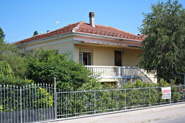 Villa in vendita a Castagnole delle Lanze, 4 locali, prezzo € 165.000   Cambio Casa.it