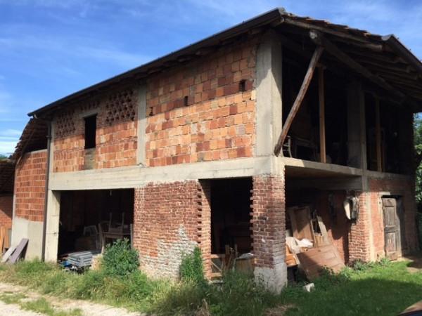 Rustico / Casale in vendita a Oltrona di San Mamette, 9999 locali, prezzo € 245.000 | CambioCasa.it