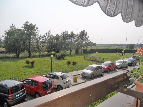 Bilocale Caponago Via Don Natale Villa 8
