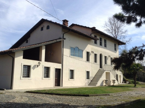 Rustico / Casale in vendita a Moncucco Torinese, 6 locali, prezzo € 420.000 | Cambio Casa.it