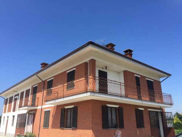 Villa in Vendita a Isola D'Asti Centro: 4 locali, 440 mq