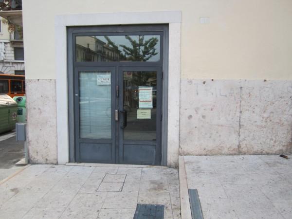 Negozio / Locale in vendita a Verona, 4 locali, zona Zona: 2 . Veronetta, prezzo € 645.000 | Cambio Casa.it