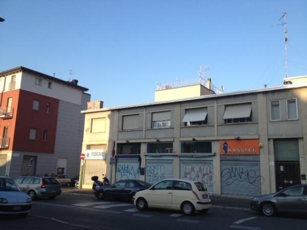 Bilocale Milano Via Ponte Nuovo 9
