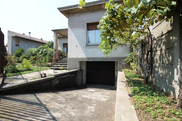 Villa in vendita a Busto Arsizio, 3 locali, prezzo € 160.000 | Cambio Casa.it