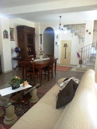 Rustico / Casale in vendita a Borghetto Lodigiano, 3 locali, prezzo € 190.000 | CambioCasa.it