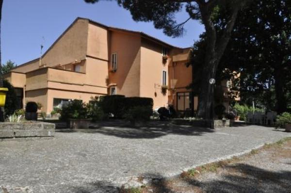 Albergo in vendita a Pitigliano, 6 locali, prezzo € 1.000.000 | Cambio Casa.it