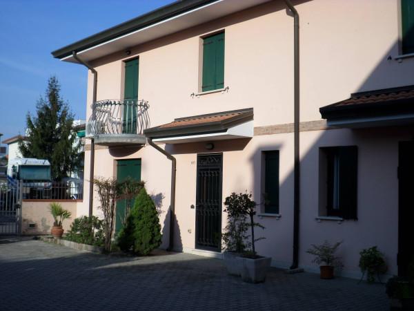 Villa in vendita a Polesella, 6 locali, Trattative riservate | Cambio Casa.it