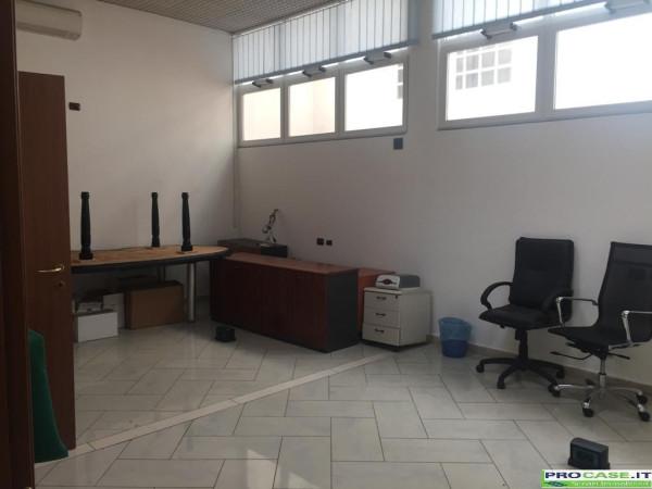 Ufficio / Studio in vendita a Pero, 3 locali, prezzo € 120.000   Cambio Casa.it