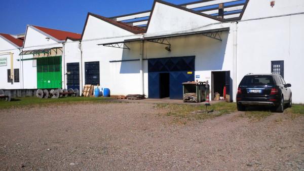 Capannone in vendita a Magnago, 1 locali, prezzo € 280.000 | Cambio Casa.it