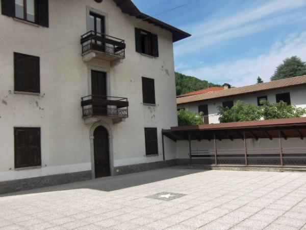 Appartamento in vendita a Valbrona, 2 locali, prezzo € 58.000 | Cambio Casa.it