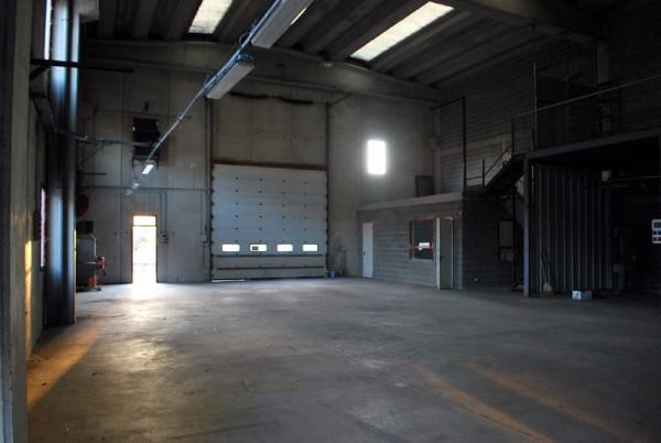 Capannone in vendita a Alba, 2 locali, prezzo € 259.000 | Cambio Casa.it