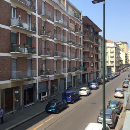 Bilocale Torino Via Valentino Carrera 1