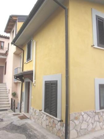Appartamento in vendita a Montorio al Vomano, 4 locali, prezzo € 38.000 | Cambio Casa.it