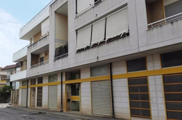 Bilocale Bitritto Via Cap. Magg. P. Pietragallo 3