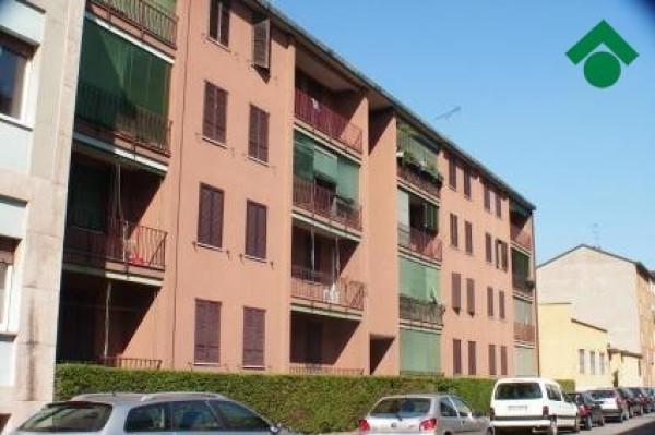 Bilocale Milano Via Gadames, 124 1