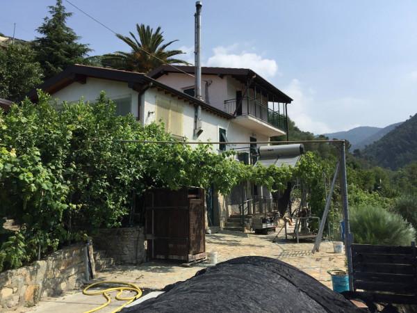 Villa in vendita a Bordighera, 6 locali, prezzo € 350.000 | Cambio Casa.it