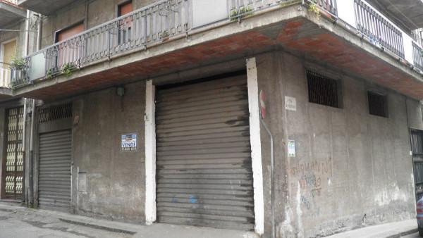 Magazzino in vendita a Paternò, 9999 locali, prezzo € 49.000 | Cambio Casa.it