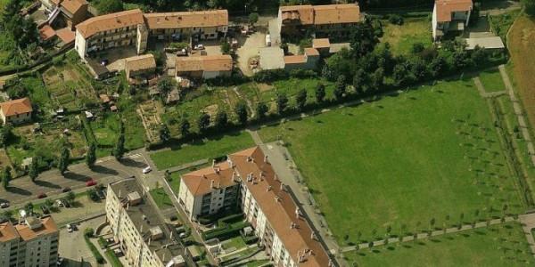 Bilocale Milano Via Seguro 11