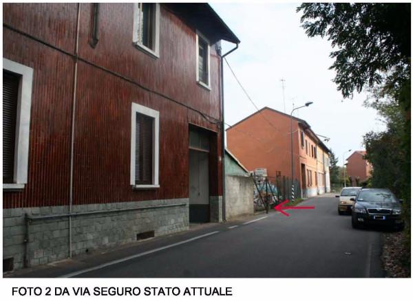 Bilocale Milano Via Seguro 6