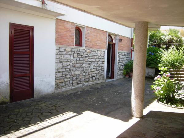 Villa in vendita a Formia, 9999 locali, Trattative riservate | Cambio Casa.it