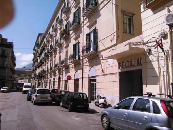 Magazzino in vendita a Palermo, 6 locali, prezzo € 420.000 | Cambio Casa.it