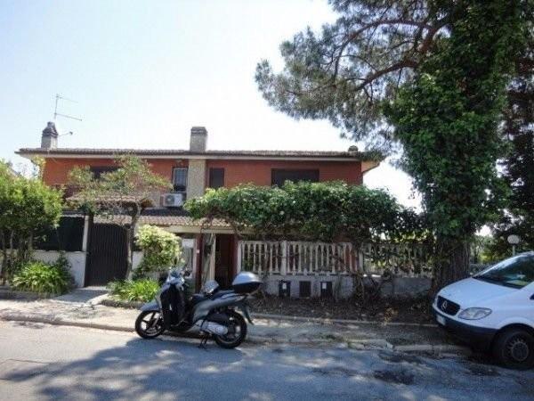 Villa in vendita a Formello, 4 locali, prezzo € 359.000 | Cambio Casa.it