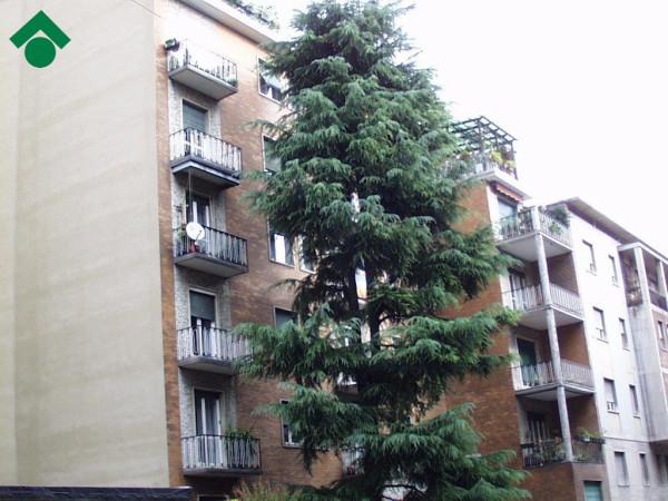 Bilocale Milano Via Baldo Degli Ubaldi, 11 1
