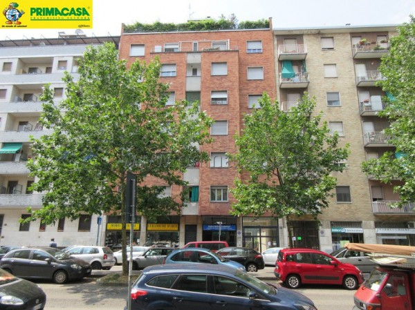 Bilocale Milano Via Capecelatro, 27 1
