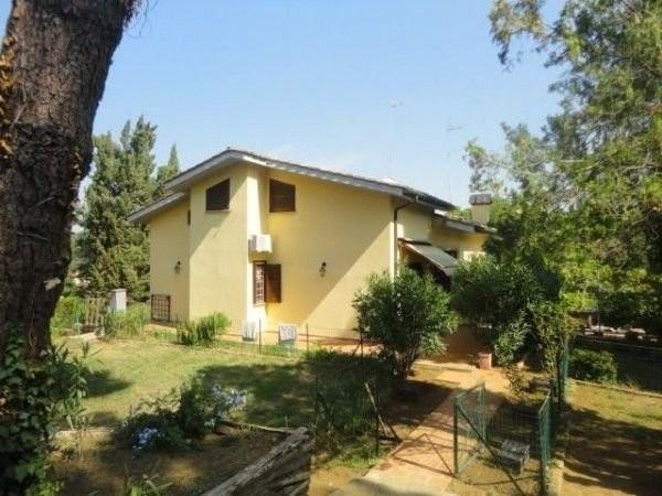 Villa in vendita a Sacrofano, 6 locali, prezzo € 615.000 | Cambio Casa.it