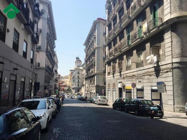Bilocale Napoli Vico Palazzo Due Porte 2