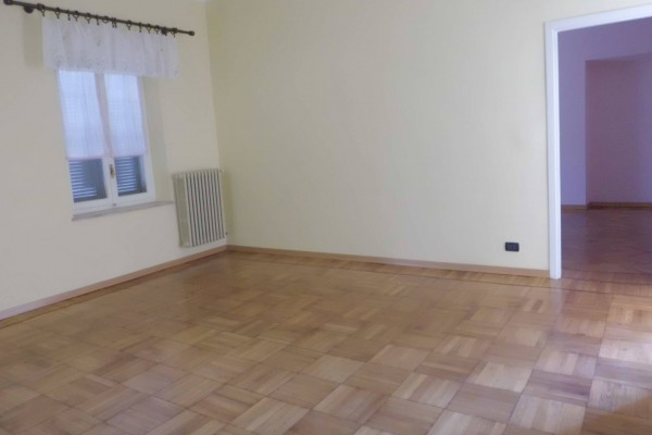 Appartamento in vendita a Bra, 2 locali, prezzo € 44.000   CambioCasa.it