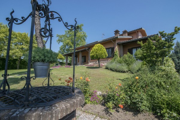 Villa in vendita a Ziano Piacentino, 6 locali, prezzo € 375.000 | Cambio Casa.it