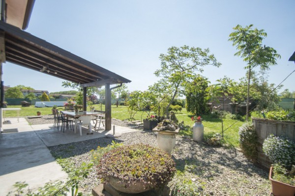 Villa in Vendita a Gragnano Trebbiense Centro: 4 locali, 150 mq