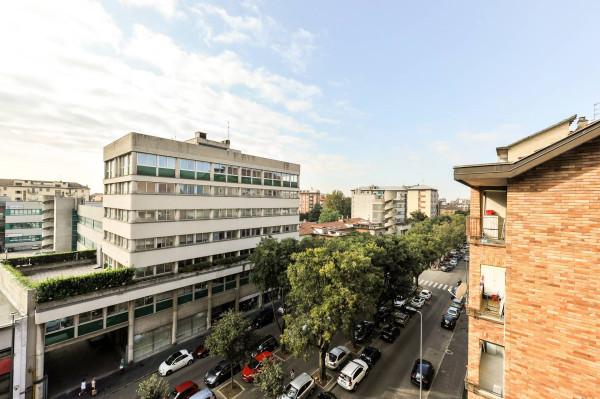 Bilocale Milano Via Ettore Ponti 13