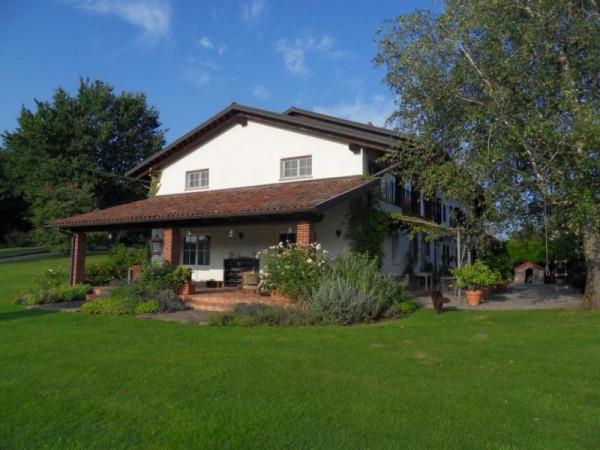 Villa in vendita a Cavaglià, 6 locali, prezzo € 550.000 | Cambio Casa.it