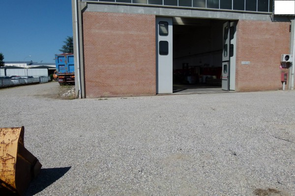 Capannone in vendita a Castel San Pietro Terme, 6 locali, prezzo € 290.000 | Cambio Casa.it