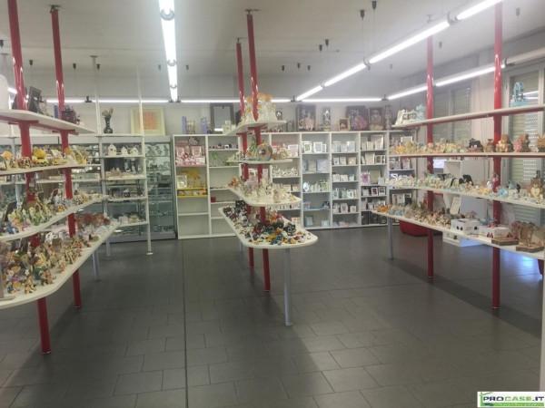 Magazzino in vendita a Saronno, 6 locali, prezzo € 448.000 | Cambio Casa.it