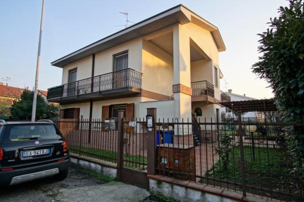 Villa in vendita a Mediglia, 4 locali, prezzo € 370.000 | Cambio Casa.it