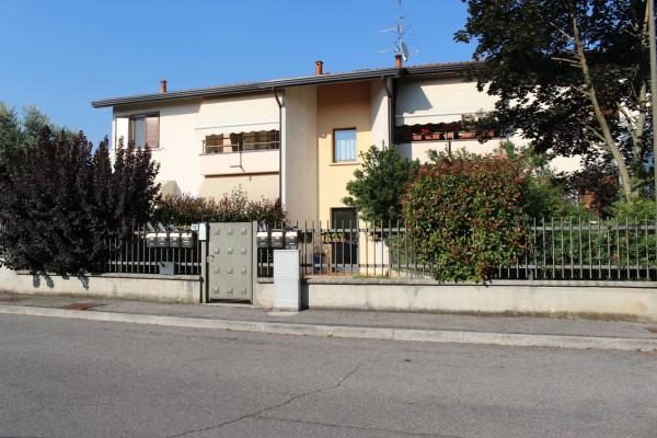 Appartamento in vendita a Castenedolo, 2 locali, prezzo € 79.000   Cambio Casa.it