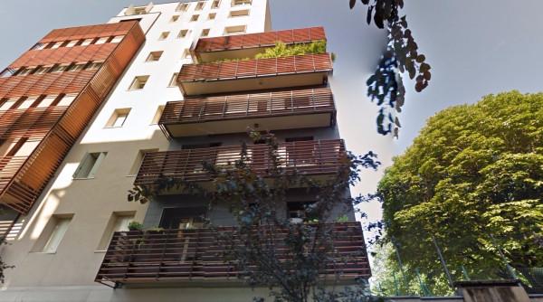 Bilocale Milano Via Terenzio 1
