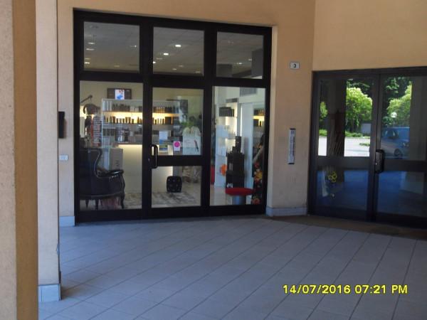 Negozio / Locale in vendita a Gallarate, 3 locali, prezzo € 230.000 | Cambio Casa.it