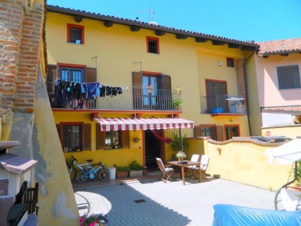 Casa indipendente in Vendita a Buttigliera D'Asti Centro: 4 locali, 158 mq