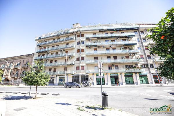 Ufficio / Studio in vendita a Palermo, 3 locali, prezzo € 125.000   Cambio Casa.it
