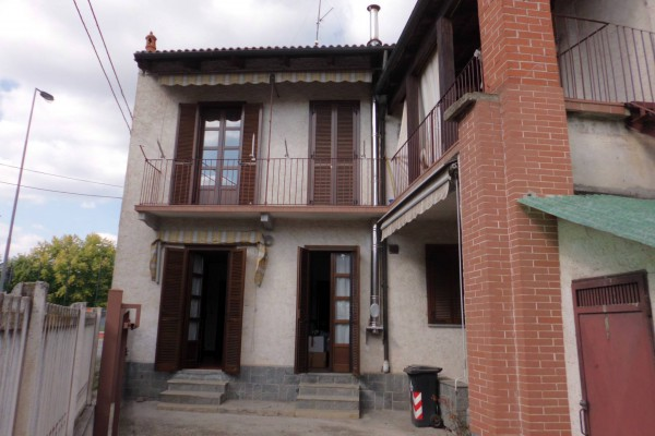 Villa in vendita a Bra, 5 locali, prezzo € 150.000 | Cambio Casa.it