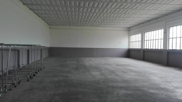 Capannone in affitto a Arsago Seprio, 1 locali, prezzo € 1.000 | Cambio Casa.it